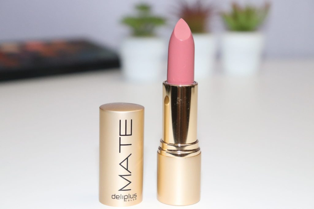 lipstick, mate, natural, nude, barra de labios, labial, golden case