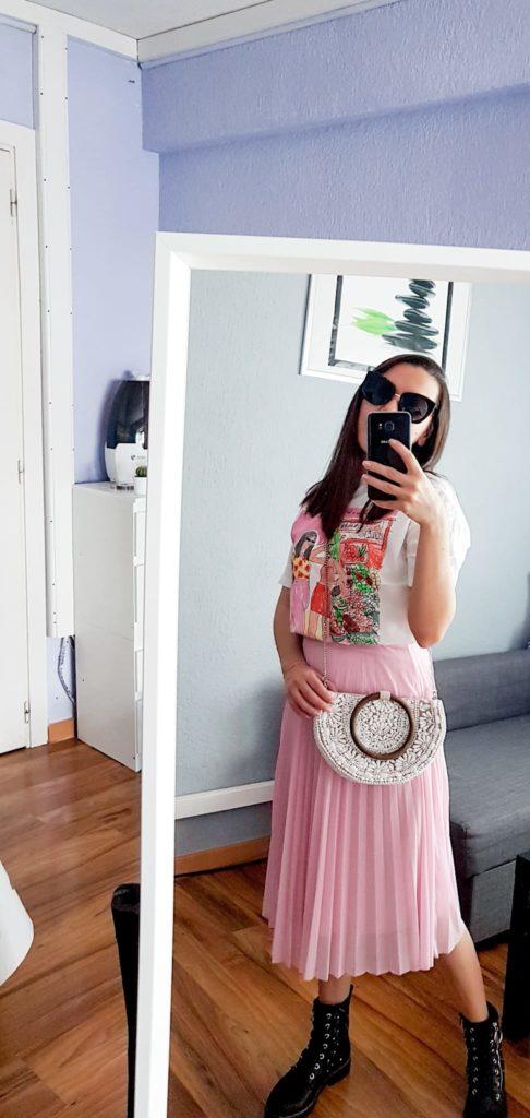 girl, falda plisada midi, t-shirt, bag, pink skirt, camiseta, zara, bershka